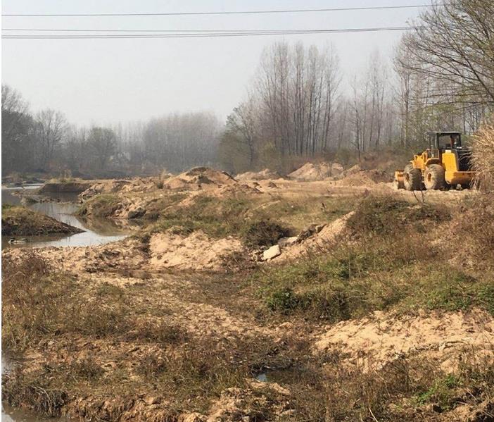 信阳市浉河区水利局零监管 游河乡境内白沙河河砂被盗